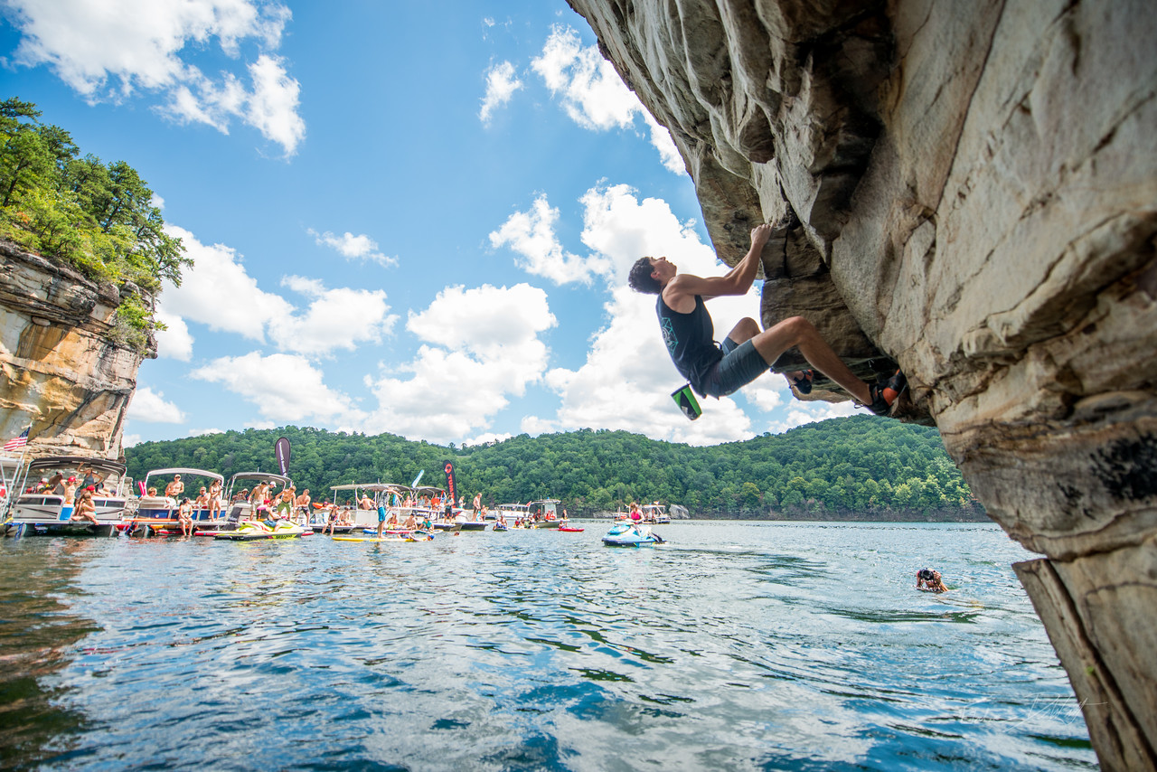 Deep; Water; Soloing; PSICOBLOC; 2016; Summersville; Lake; West; Virginia; Photo; Gabe; DeWitt; 1326; DWS; Deep Water Soloing; Deepwater soloing; PSICOROC; Places; Psicocomp; Roks; Sand Stone; Summer; WV; West Virginia; climbing; photo by Gabe DeWitt; summersville lake