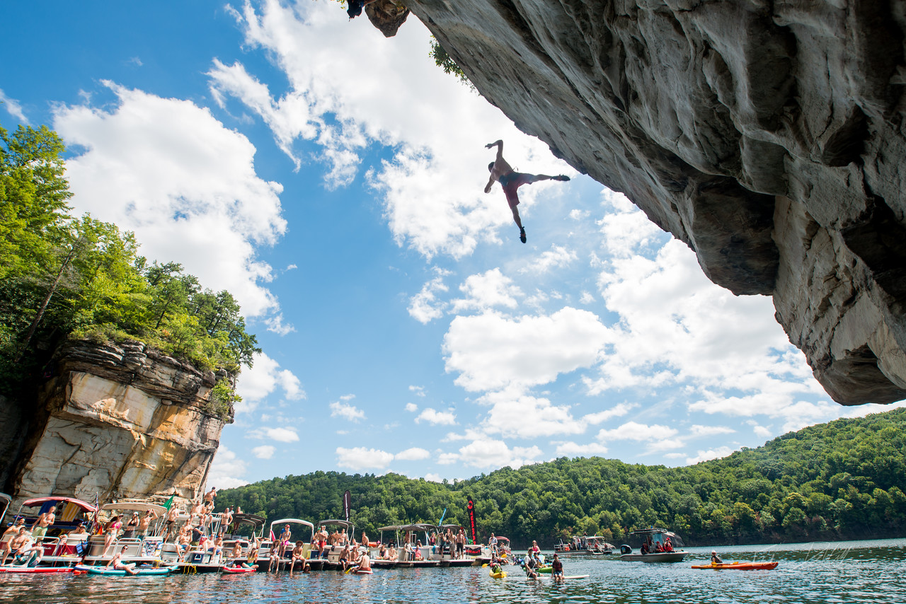 Deep; Water; Soloing; PSICOBLOC; 2016; Summersville; Lake; West; Virginia; Photo; Gabe; DeWitt; 875; DWS; Deep Water Soloing; Deepwater soloing; PSICOROC; Places; Psicocomp; Roks; Sand Stone; Summer; WV; West Virginia; climbing; photo by Gabe DeWitt; summersville lake