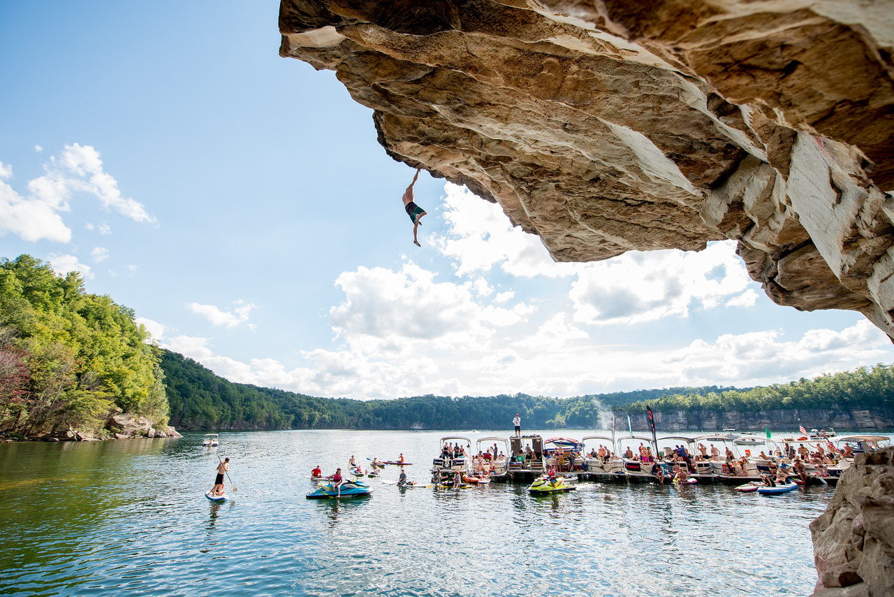 Deep; Water; Soloing; PSICOBLOC; 2016; Summersville; Lake; West; Virginia; Photo; Gabe; DeWitt; 2243; DWS; Deep Water Soloing; Deepwater soloing; Jimmy Webb; PSICOROC; Places; Psicocomp; Roks; Sand Stone; Summer; WV; West Virginia; climbing; photo by Gabe DeWitt; summersville lake