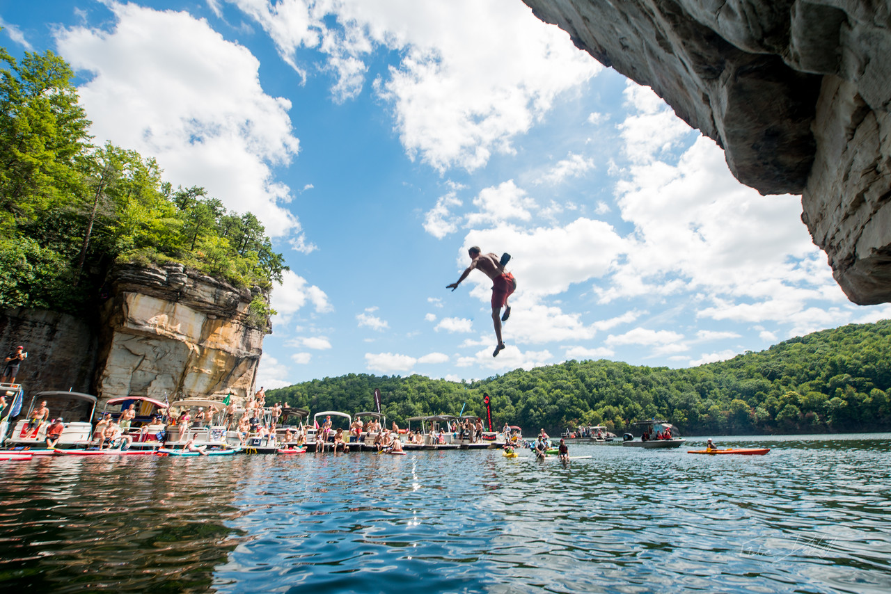 Deep; Water; Soloing; PSICOBLOC; 2016; Summersville; Lake; West; Virginia; Photo; Gabe; DeWitt; 877; DWS; Deep Water Soloing; Deepwater soloing; PSICOROC; Places; Psicocomp; Roks; Sand Stone; Summer; WV; West Virginia; climbing; photo by Gabe DeWitt; summersville lake
