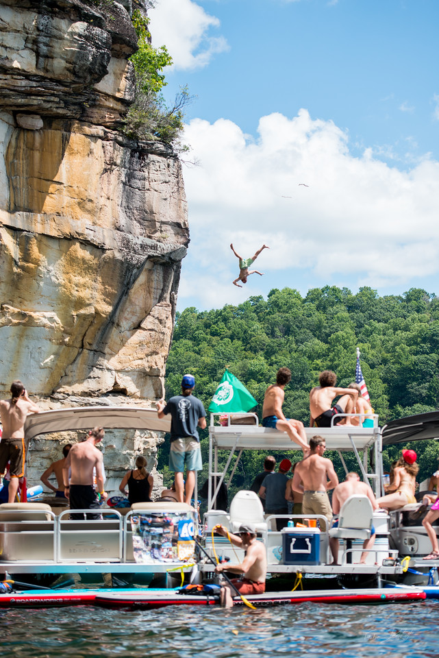 Deep; Water; Soloing; PSICOBLOC; 2016; Summersville; Lake; West; Virginia; Photo; Gabe; DeWitt; 1204; DWS; Deep Water Soloing; Deepwater soloing; PSICOROC; Places; Psicocomp; Roks; Sand Stone; Summer; WV; West Virginia; Zak Roper; climbing; photo by Gabe DeWitt; summersville lake