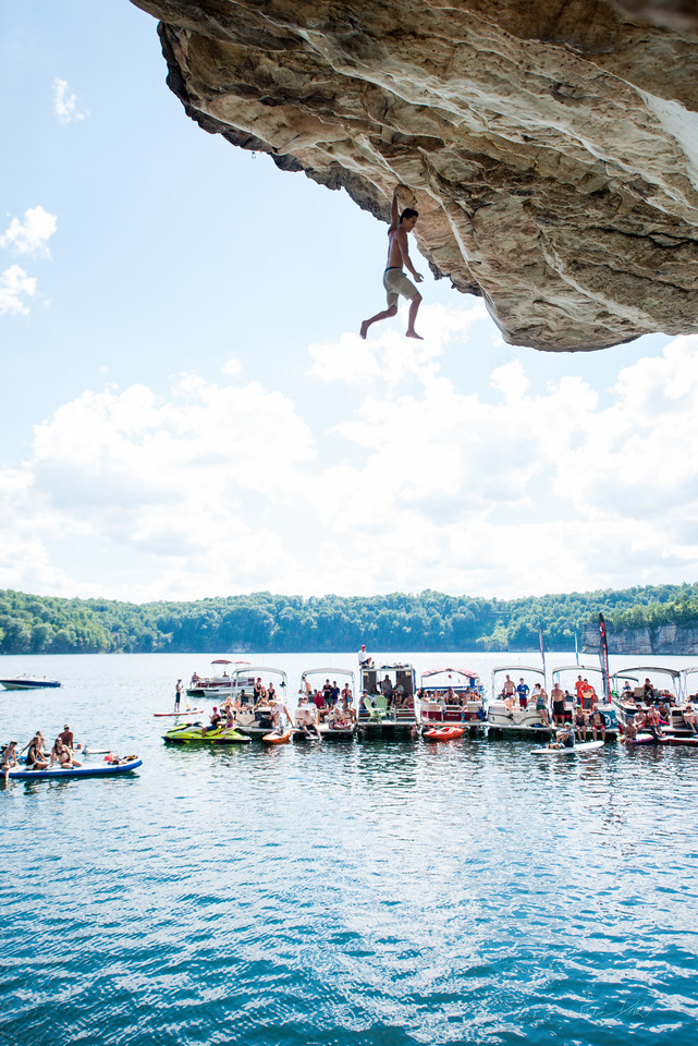 Deep; Water; Soloing; PSICOBLOC; 2016; Summersville; Lake; West; Virginia; Photo; Gabe; DeWitt; 1854; DWS; Deep Water Soloing; Deepwater soloing; PSICOROC; Places; Psicocomp; Roks; Sand Stone; Summer; WV; West Virginia; climbing; photo by Gabe DeWitt; summersville lake