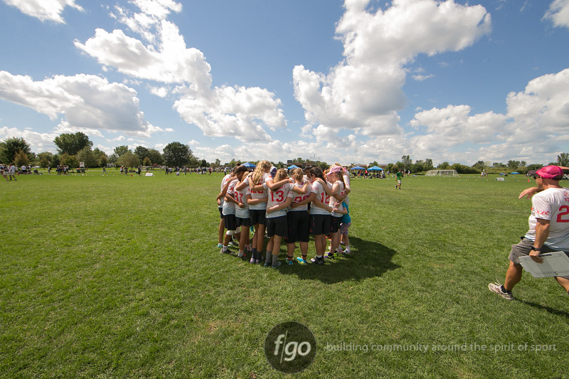 Seattle Nimbus v Cincinnati Belle Girls Division U19 Championship Final at USA Ultimate Youth Club Championships at National Sports Center in Blaine, Minnesota on 14 August 2016