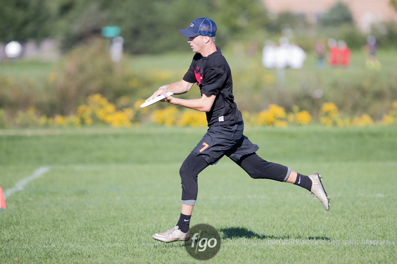 Minnesota Superior v Delaware Valley Devyl Boys Division Semi-Final at USA Ultimate Youth Club Championships at National Sports Center in Blaine, Minnesota on 14 August 2016