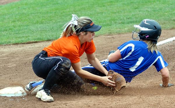 0525 madison softball 14