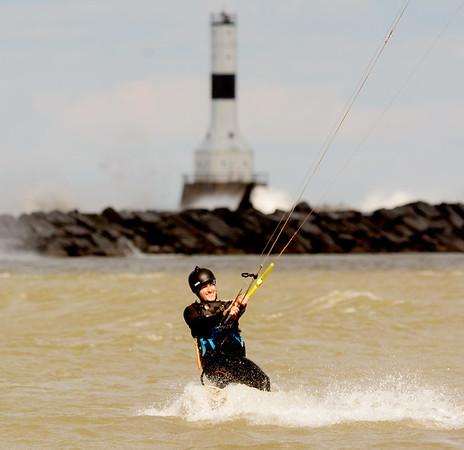 1024 kite surfer 1