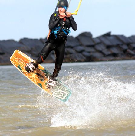 1024 kite surfer 6