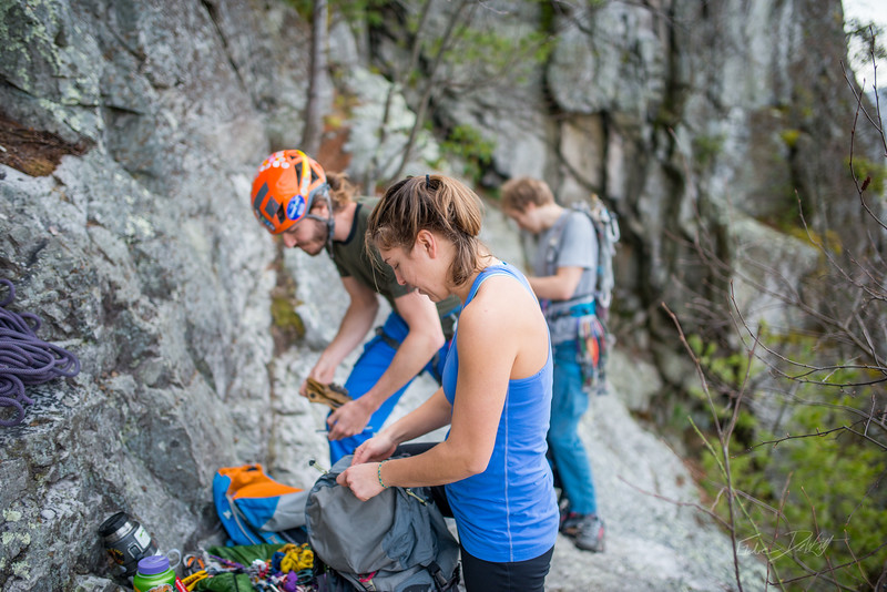 Climbing-Seneca-Rocks-West-Virginia-by-Gabe-DeWitt-feb17-10