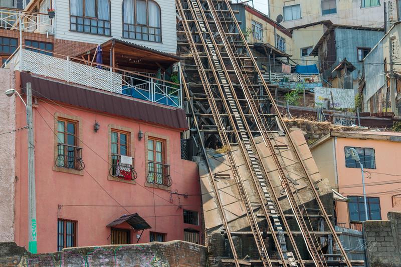 Valparaiso-Chili-Summer-2017-62-_GRD5003