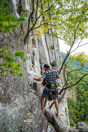 Seneca-Rocks-climbing-&-Paw-Paw-Picking-WV-2017_September 17, 2017_4