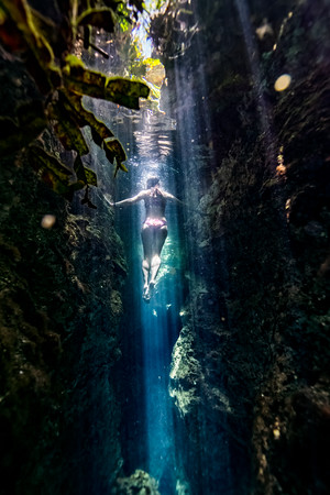 Cenote-Jardin-of-Eden-Mexico-Gabe-DeWitt-1972