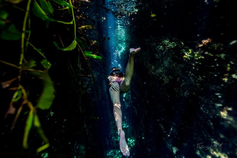 Cenote-Jardin-of-Eden-Mexico-Gabe-DeWitt-1954