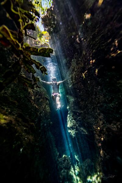 Cenote-Jardin-of-Eden-Mexico-Gabe-DeWitt-1970