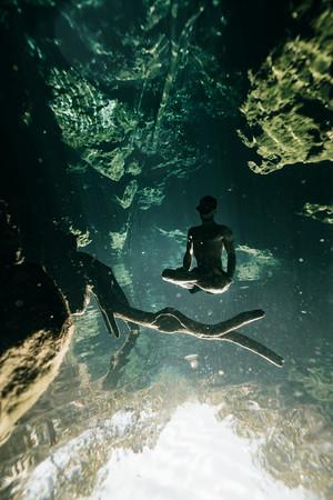 Cenote-Jardin-of-Eden-Mexico-Gabe-DeWitt-1944