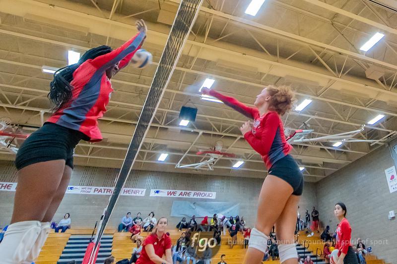 Minneapolis Edison v Minneapolis Patrick Henry Volleyball at Minneapolis Henry on September 12, 2019