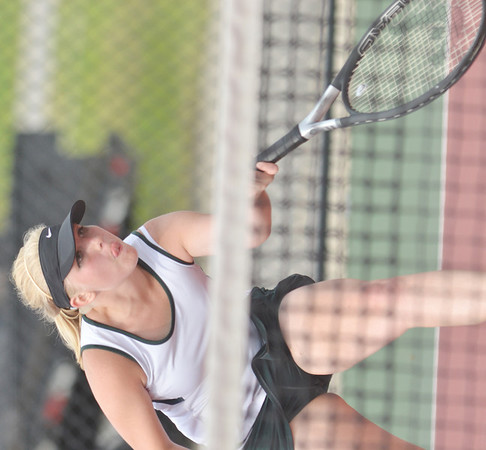 WARREN DILLAWAY / Star Beacon<br /> GABBY NOVAK of Lakeside rturns a shot during a  third singles match at Jefferson on Tuesday afternoon.