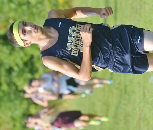 WARREN DILLAWAY / Star Beacon<br /> JACOB EDWARDS of Conneaut competes in the Pymatuning Invitational on Thursday in Andover Township.