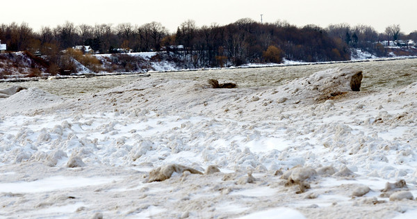 WARREN DILLAWAY / Star Beacon<br /> LARGE ICE blocks have formed  on Lake Erie along Walnut Beach in Ashtabula.