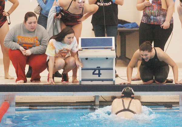 WARREN DILLAWAY / Star Beacon<br /> EDGEWOOD SWIMMERS encourage teammate Gabrielle Harner on Saturday during the Ashtabula County Invitational at Spire Institute in Harpersfield Township.