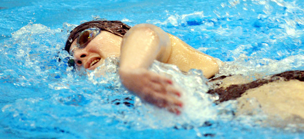 WARREN DILLAWAY / Star Beacon<br /> NICOLE FOLTZ of Edgewood comptes in the 500 yard freestyle on Saturday at Spire Institute in Harpersfield Township.