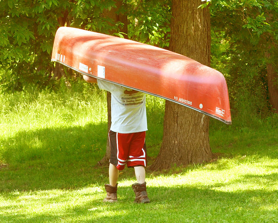 WARREN DILLAWAY / Star Beacon<br /> MIKE SHERMAN learns how to handle a canoe during his training for work at Raccoon Run canoe rental at Harpersfield Metropark on Monday.