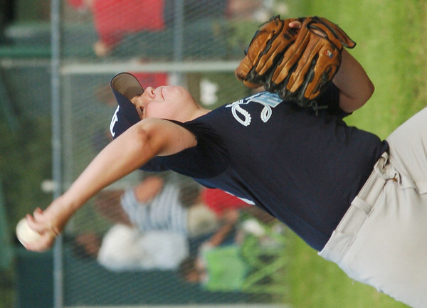 WARREN DILLAWAY / Star Beacon<br /> MIKE STEELE of the Saybrook Major League Rays pitches on Friday night during a game with the Indians.