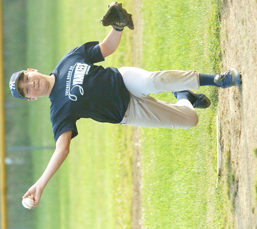 WARREN DILLAWAY / Star Beacon<br /> ZACH MOODY pitches for the Saybrook Major League Yankees on Friday evening during a game with the Pirates.