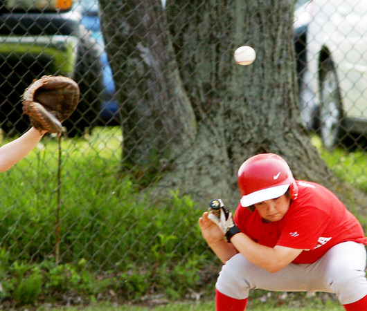 WARREN DILLAWAY / Star Beacon<br /> JACOB BRYANT of the Ashtabula Junior League team ducks during a game at Kingsville on Saturday.