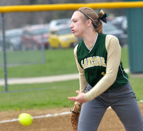 WARREN DILLAWAY / Star Beacon<br /> ANDREA DAVIS of Lakeside pitches on Monday during a home game with Geneva.