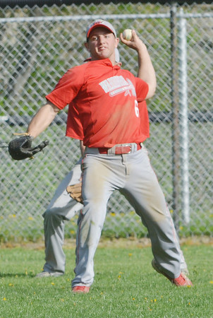 WARREN DILLAWAY / Star Beacon<br /> TONY MAGDA of Edgewood prepares to throw back to the infield on Monday during a game at Conneaut.