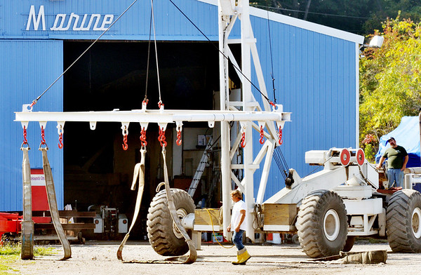 WARREN DILLAWAY / Star Beacon<br /> EQUIPMENT TO remove boats from Ashtabula Harbor is prepared for use at Sutherland Marine in Ashtabula on Tuesday.