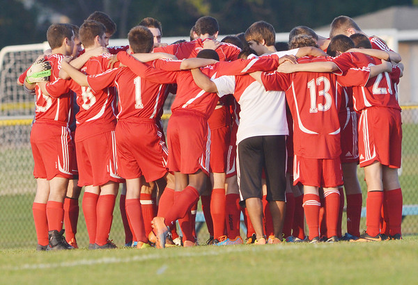 WARREN DILLAWAY / Star Beacon<br /> THE GENEVA  boys soccer team prepares for a game at Madison on Tuesday evening.