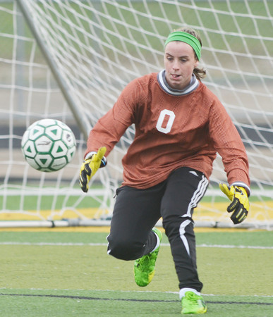 WARREN DILLAWAY / Star Beacon<br /> KRISTEN KEASLING, Lakeside goalie, prepares to a make a save on Monday during a home game with Edgewood.