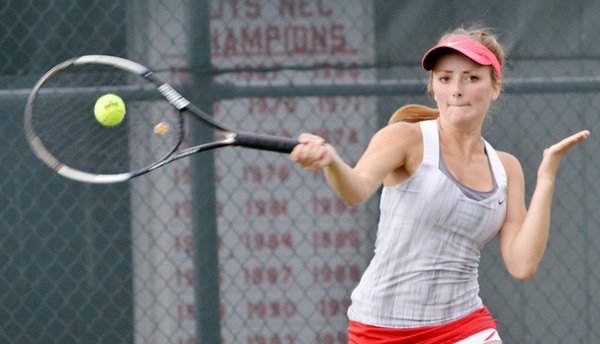 WARREN DILLAWAY / Star Beacon<br /> ALYX LYNHAM of Geneva returns a shot during a first singles match with Katie Allen of Lakeside on Monday.