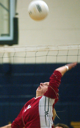 WARREN DILLAWAY / Star Beacon<br /> TAYLOR DIEMER of Edgewood prepares to spike at Conneaut Monday evening.