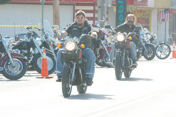 WARREN DILLAWAY / Star Beacon<br /> MOTORCYCLISTS ARRIVE at Geneva-on-the-Lake for Thunder on the Strip which concludes Sunday.