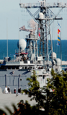 WARREN DILLAWAY / Star Beacon<br /> THE USS DeWert (FFG-45) made a quick visit to Ashtabula Harbor Tuesday morning on the way to War of 1812 festivities in Buffalo.