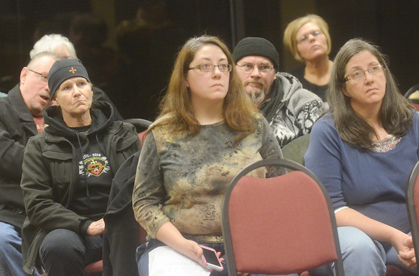 WARREN DILLAWAY / Star Beacon<br /> ASHTABULA RESIDENTS listen during a  citizen's forum on snow plowing on Saturday in council chambers.