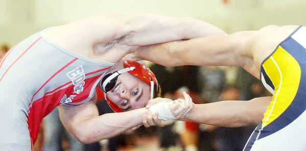 WARREN DILLAWAY / Star Beacon<br /> TYLER DUFOUR of Edgewood (left) wrestles Terrence Williams of Copley on Saturday during a 220 pound bout at the Perry Pin City Tournament.