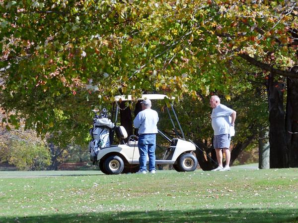 1021 warm golfers