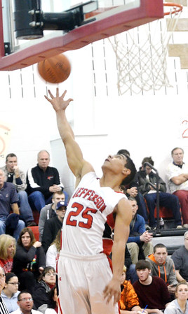 WARREN DILLAWAY / Star Beacon<br /> JOE JACKSON of Jefferson reaches for an errant pass on Friday evening dduring ahome game with Edgewood.