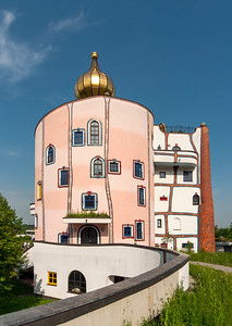 Stammhaus (Main House) of Rogner Thermal Spa (Hot Springs) Hotel designed by Friedensreich Hundertwasser, Bad Blumau, Styria, Austria
