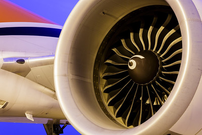 General Electric GE90 engine