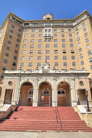 Baker Hotel, front entrance, SE side of hotel, Mineral Wells, TX (Oct 2014, HDR)