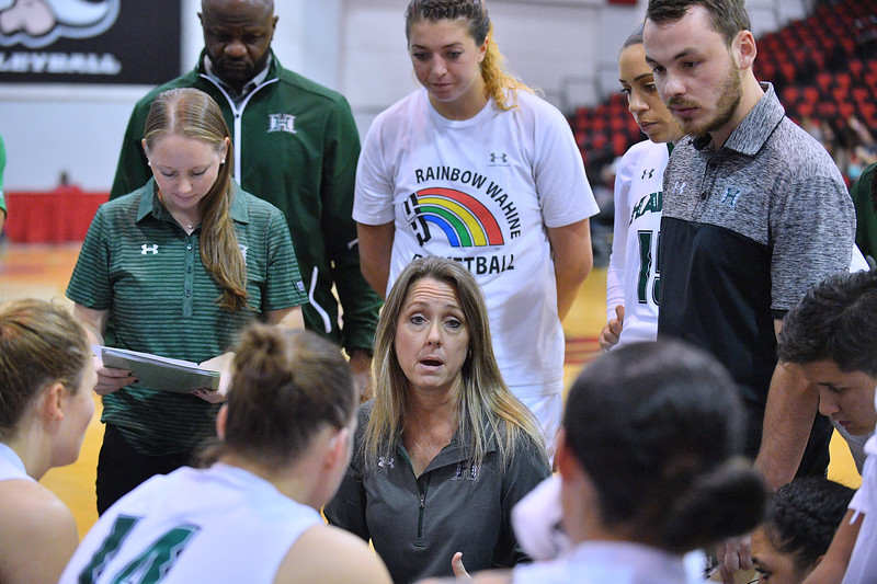 Dec 20, 2017; Las Vegas, NV, USA;  Hawaii Rainbow Wahine head coach Laura Beeman talks to her team during a timeout of their game against the Texas A&M Aggies during the Duel In The Desert at the Cox Pavilion in Las Vegas, Nevada.  Photo by Sam Wasson for Hawai'i Athletics