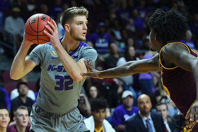 LAS VEGAS, NV - NOVEMBER 23:  Dean Wade #32 of the Kansas State Wildcats looks to pass against the Arizona State Sun Devils during day one of the Las Vegas Invitational at the Orleans Arena on November 23, 2017 in Las Vegas, Nevada.  (Photo by Sam Wasson for Kansas State)