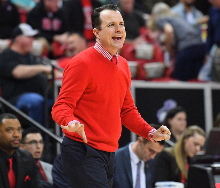 LAS VEGAS, NV - MARCH 10:  Head coach Paul Weir of the New Mexico Lobos calls a play for his team during the championship game of the Mountain West basketball tournament against the San Diego State Aztecs at the Thomas & Mack Center in Las Vegas, Nevada. San Diego State won 82-75.  (Photo by Sam Wasson)