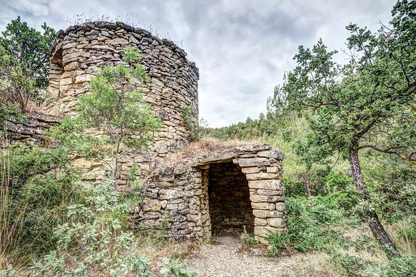 Tines de l'Escudelleta (Pont de Vilomara i Rocafort, Catalonia)