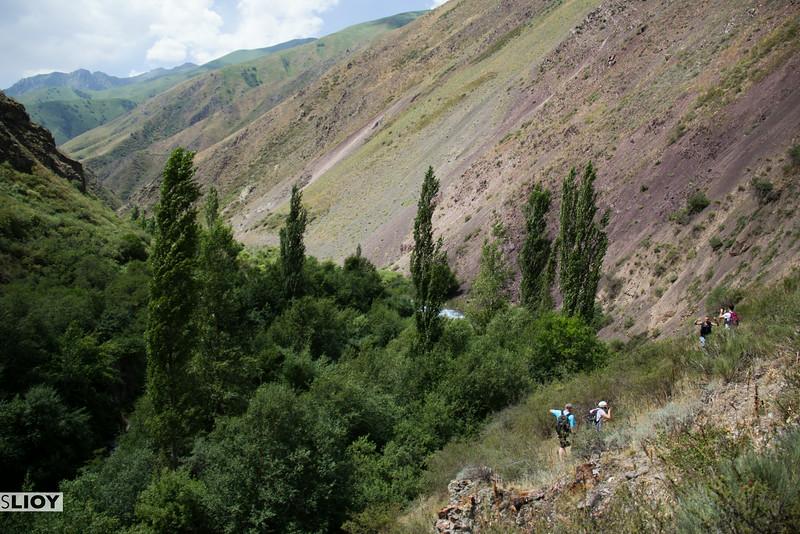 kyrgyzstan's chon kaindy valley hike