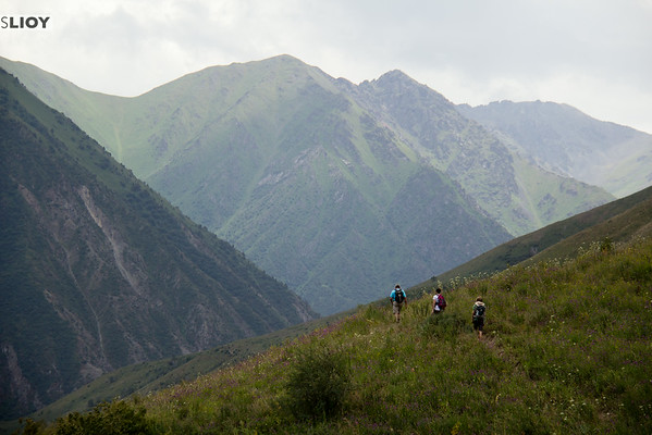 hiking kyrgyzstan's chon kaindy